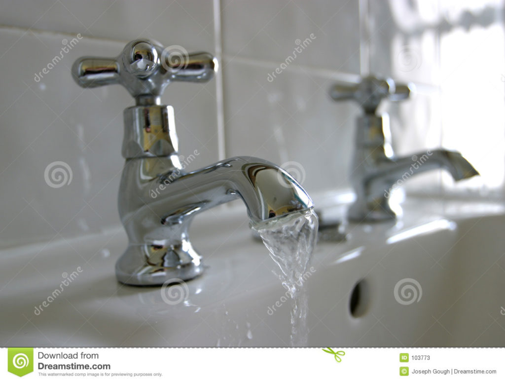 running-water-bathroom-taps-103773