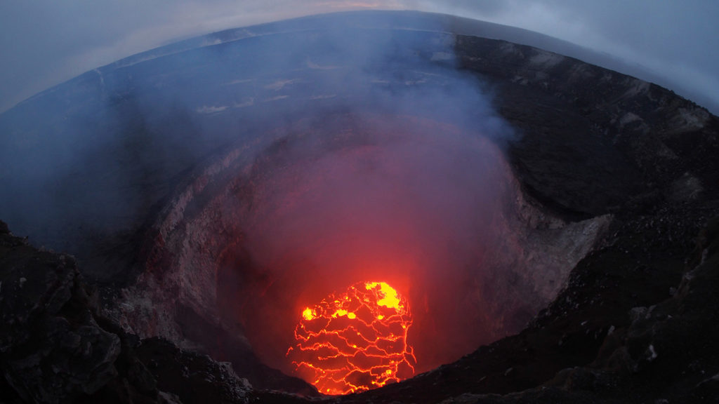 27-hawaii-volcano